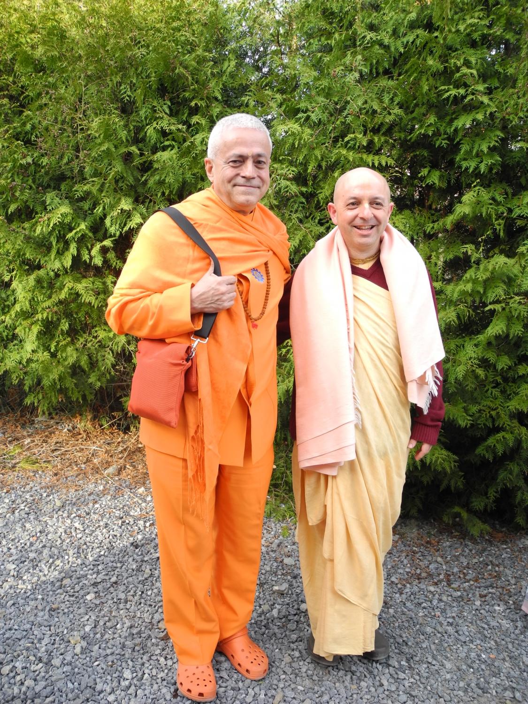 H.H. jagat Guru Amrta Súryánanda Mahá Rája et Svámin Yadunandana Mahá Rája -  Radhadesh, ISKCON Hare Krshna, Belgique - 2012, mars