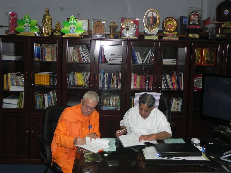 Assinatura do Protocolo de Cooperação da Confederação Portuguesa do Yoga e da S-VYASA University