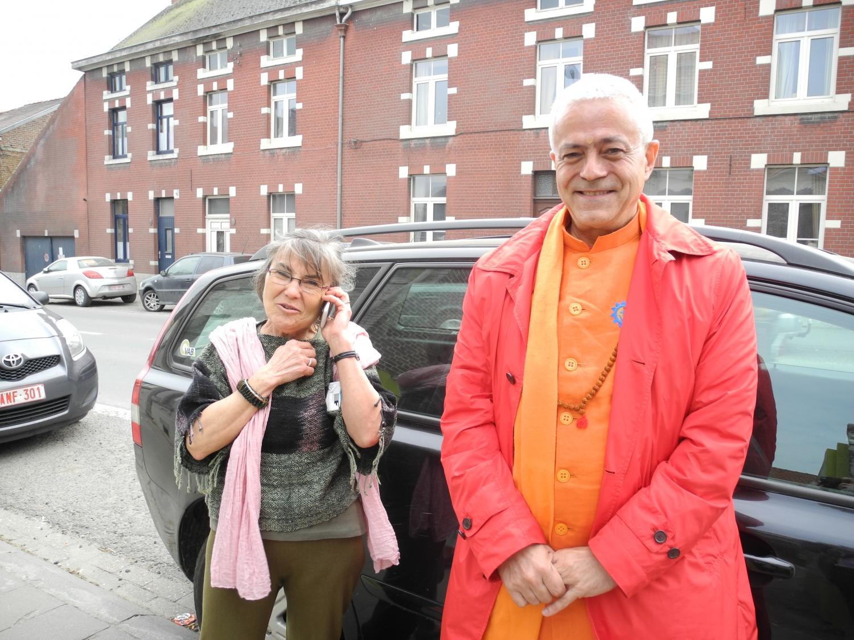 Encontro de H.H. Jagat Guru Amrta Sūryānanda Mahā Rāja com o Mestre Thierry Van Brabant - Centre Samtosha, Jodoigne, Bélgica - 2012, Março