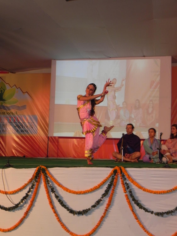 Bhárata Nathyam por el Shiva Rája - Danza Sagrada Tradicional Hindu