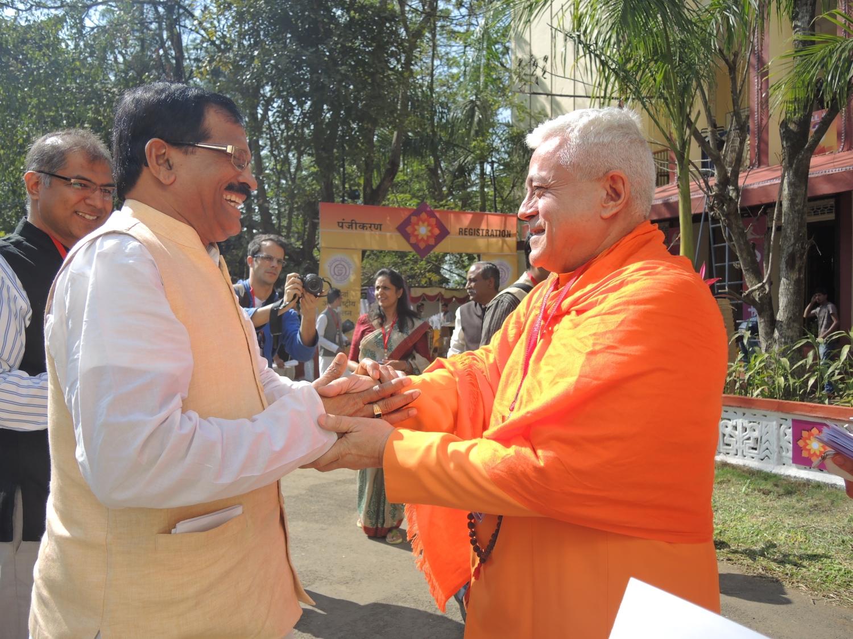 Com o Ministro do Yoga, Shrí Shripad Yesso Naik