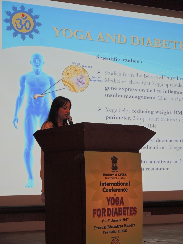 Conferência dada pelo Departamento Científico da Confederação Portuguesa do Yoga - Prof.ª Ánandí