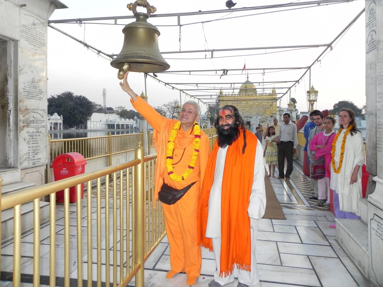 Harmandir Sahib - The Golden Temple - Amrtsar, Índia - 2011