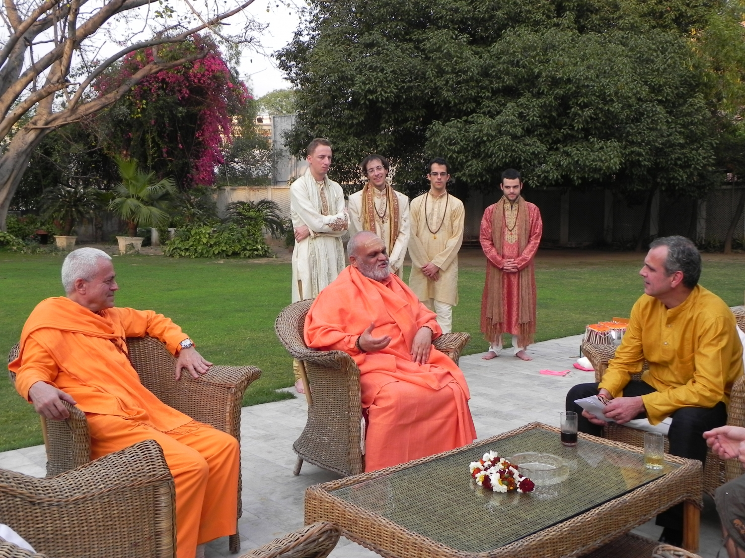 Reception of the Great Yoga Masters of India at the Embassy of Portugal - Dillí, India - 2011, March