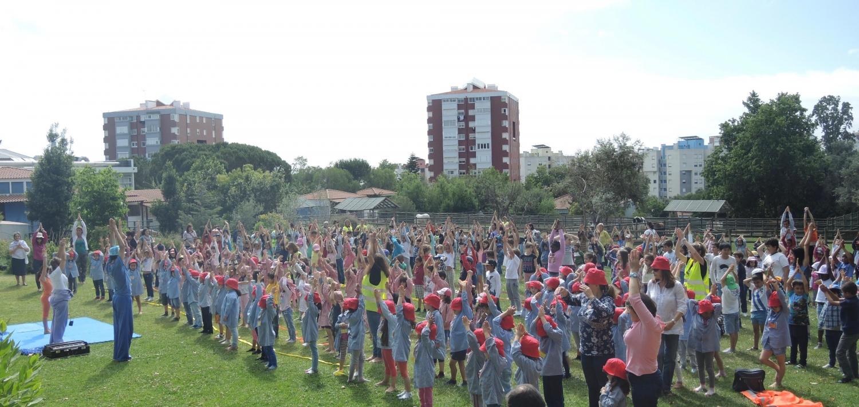 Aula do Yoga para Crianças dada por ocasião das Comemorações do Dia Mundial da Criança em 2015