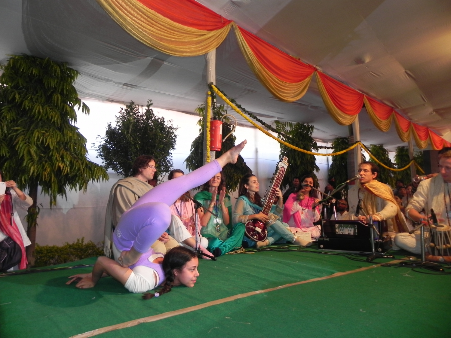International Yoga Festival - rshikesh, India - 2013, marzo