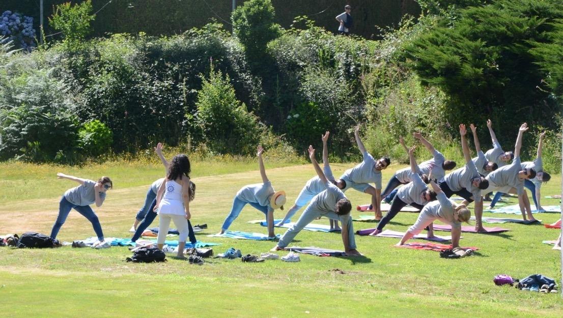 """Clase del Yoga Sámkhya a los colaboradores de la HILTI – Portugal– """"una de las empresas mas felizes para trabalhar en Portugal"""""""
