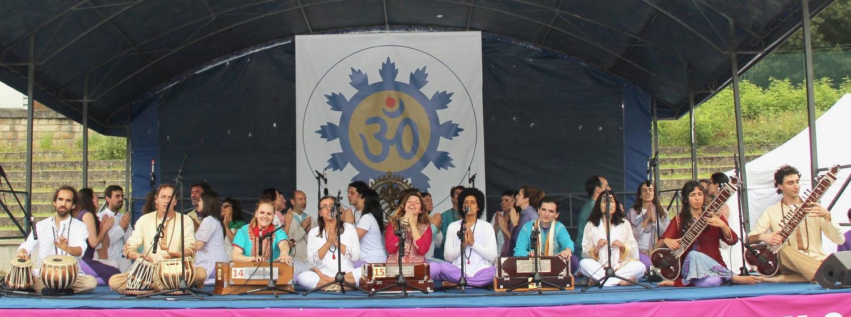 Actuación del Omkára - Coral Orquestra de la Confederación Portuguesa del Yoga