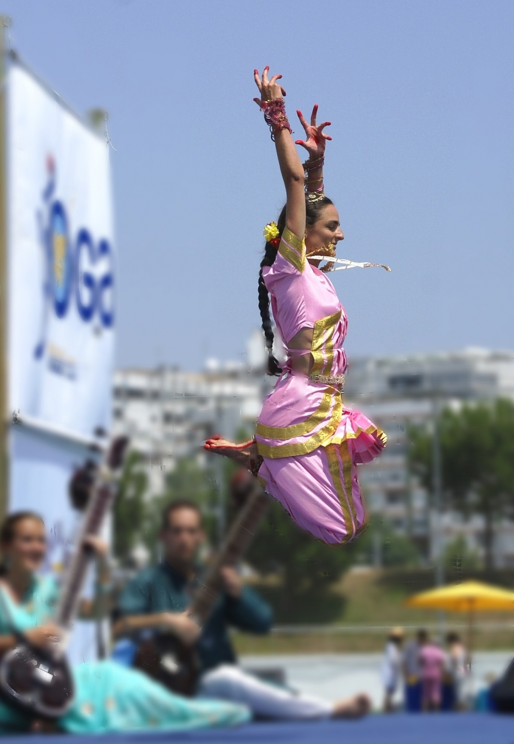 Presentation of Bháratanathyam by Shiva Rája - International Day of Yoga 2010, Almada