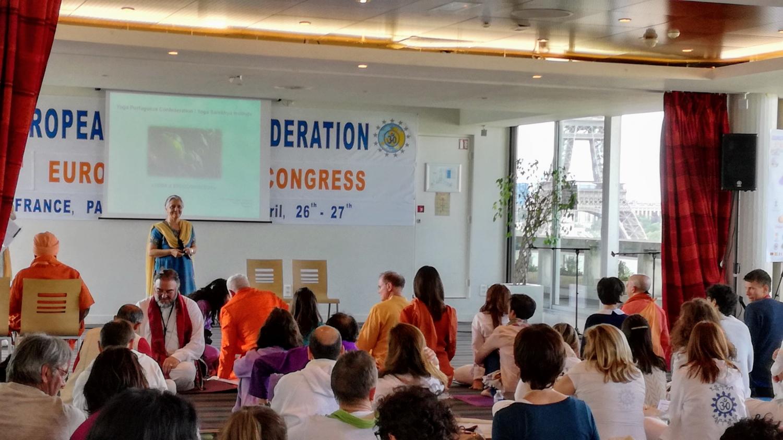 Conférence 'Yoga et Endocrinologie' par Prof. Lakshmi