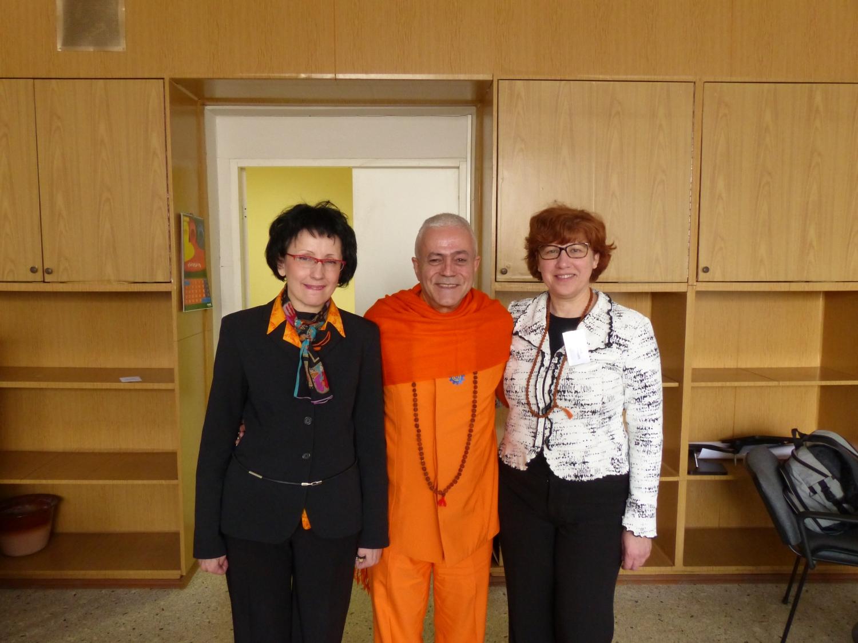 Com Tatyana Konstantinova, Vice-Presidente da Federação Russa do Yoga Clássico
