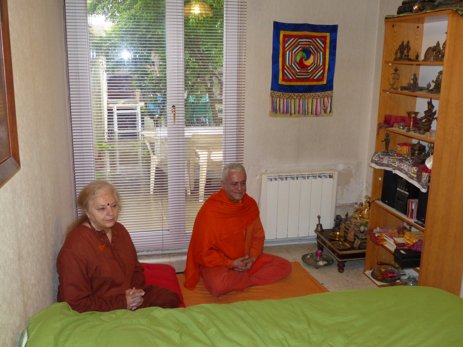 Meeting of H.H. Jagat Guru Amrta Sūryānanda Mahā Rāja with Tara Michaël - Arles, Provence - 2013, May