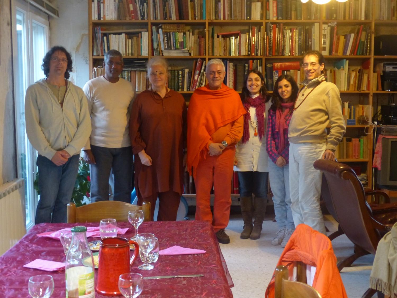 Encontro de H.H. Jagat Guru Amrta Sūryānanda Mahā Rāja Tara Michaël - Arles, Provença - 2013, Maio