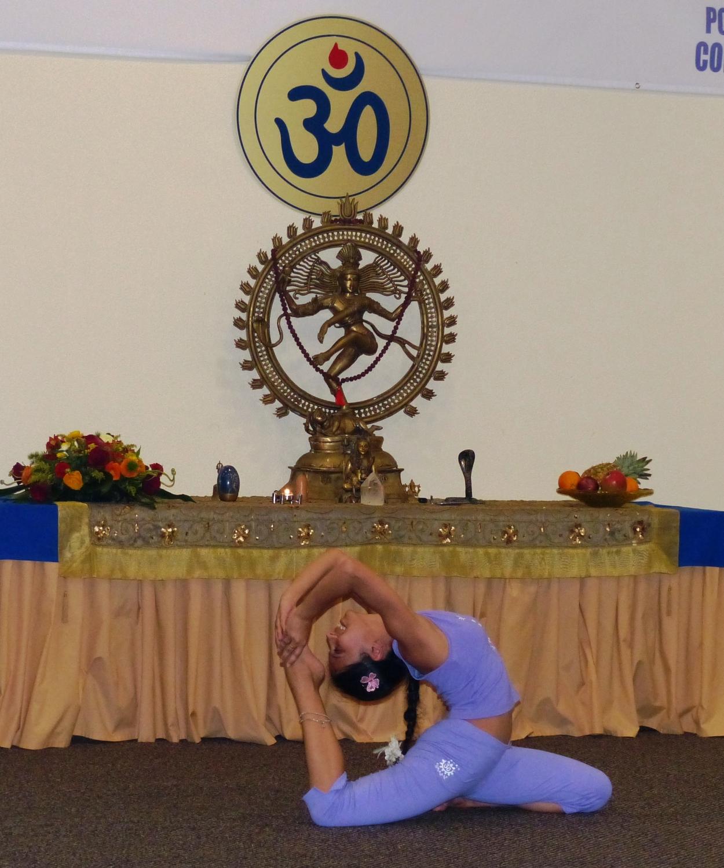 O Belo e Contagiante Yoga - Ásana que eleva - Bindi