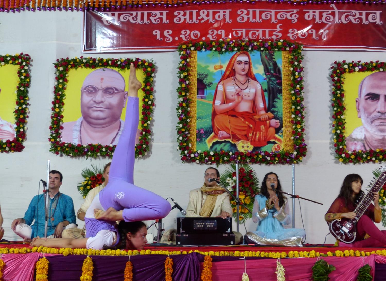60th Anniversary of Mahá Mandaleshvara H.H. Vishveshvaránanda Giri Jí Mahá Rája - Sanyasa Áshrama, Mumbai, India - 2014, July