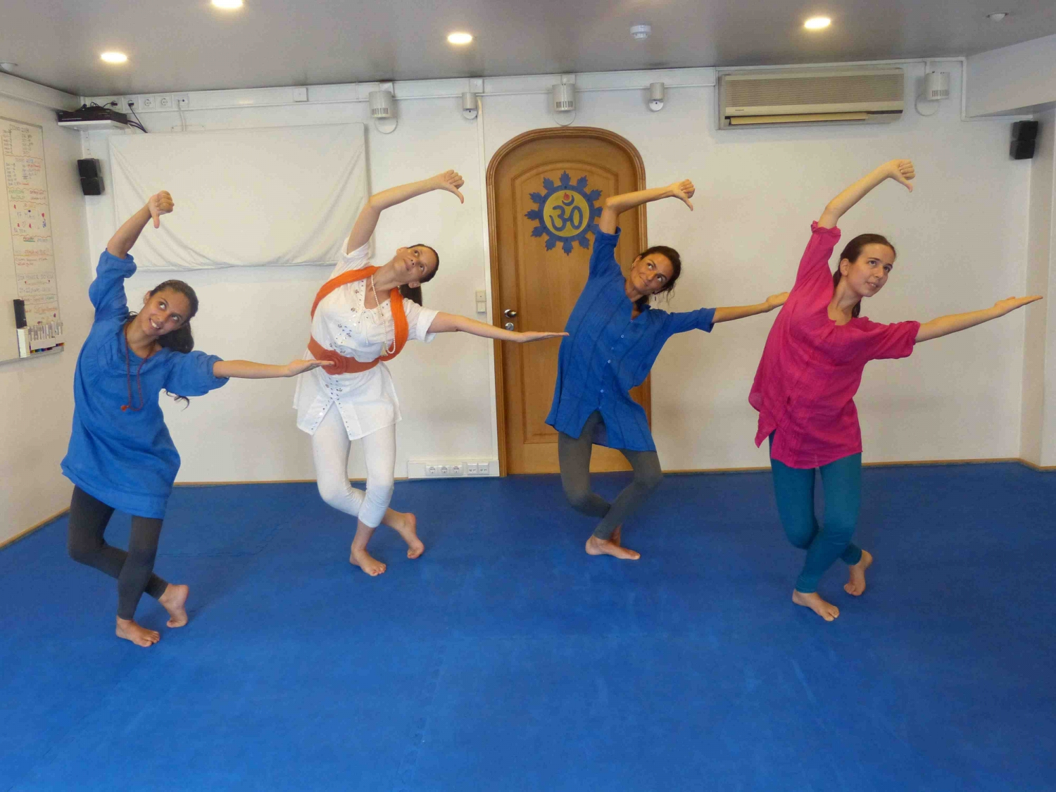 Bharat Nathyam Classes by Kalakshetra Foundation in Portugal, 2014