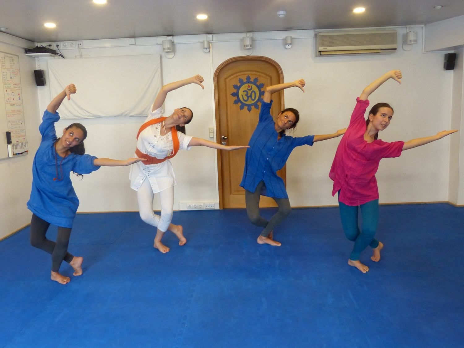 Bháratanathyam Classes by Kalakshetra Foundation in Portugal, 2014