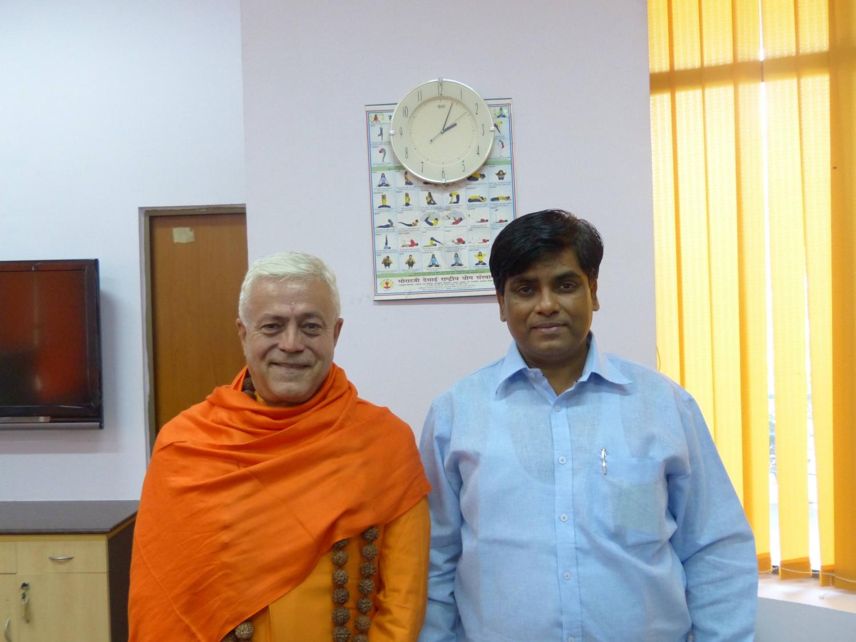 Réunion avec le  Directeur du Yoga du Departement AYUSH  - Dr. Ishwar Basavaraddi - Inde Dillī - 2014, octobre, 10