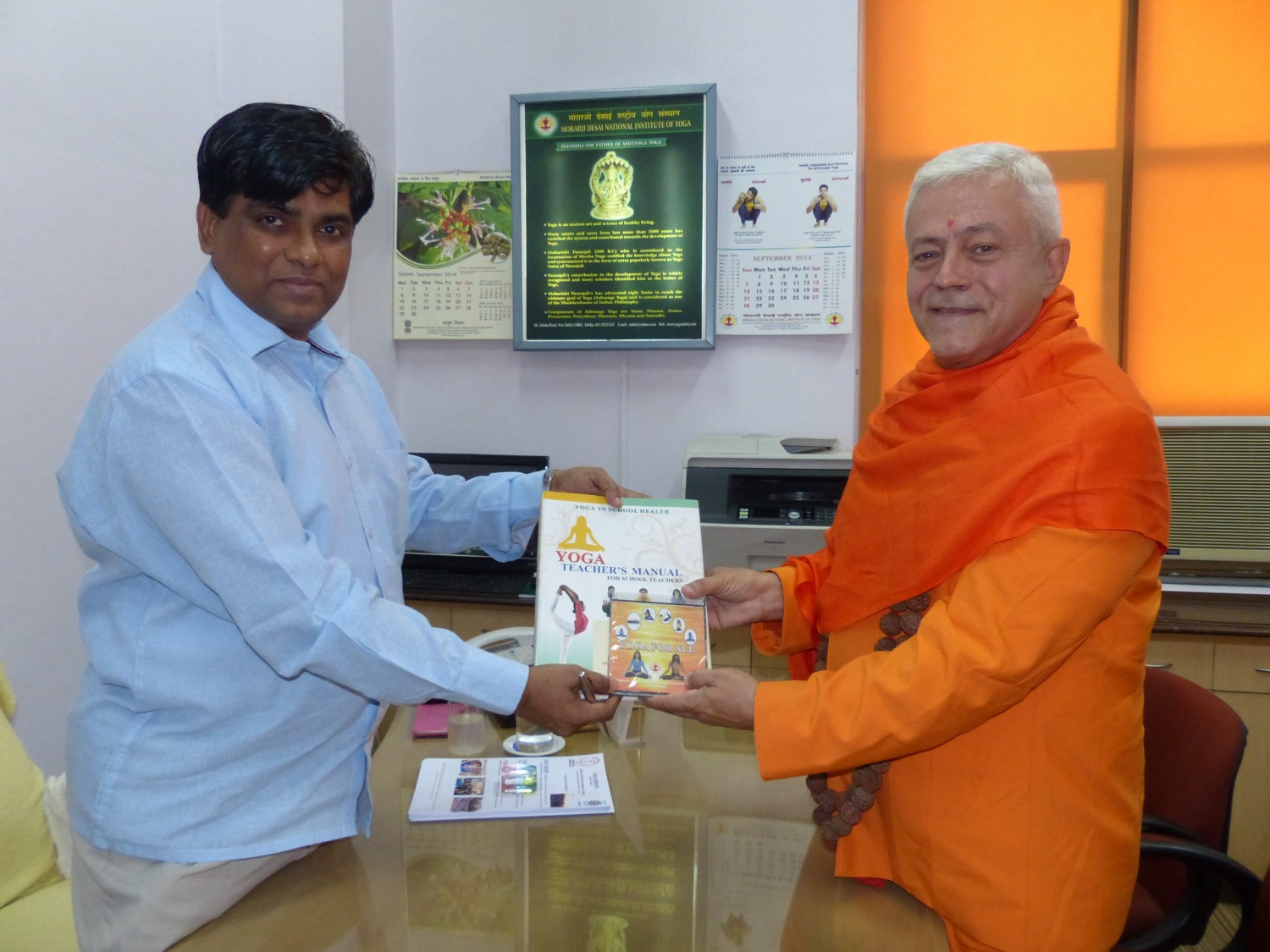 Meeting with the Yoga Director of Ayush Departement - Dr. Ishwar Basavaraddi - India, Dillí - 2014, October, 10th