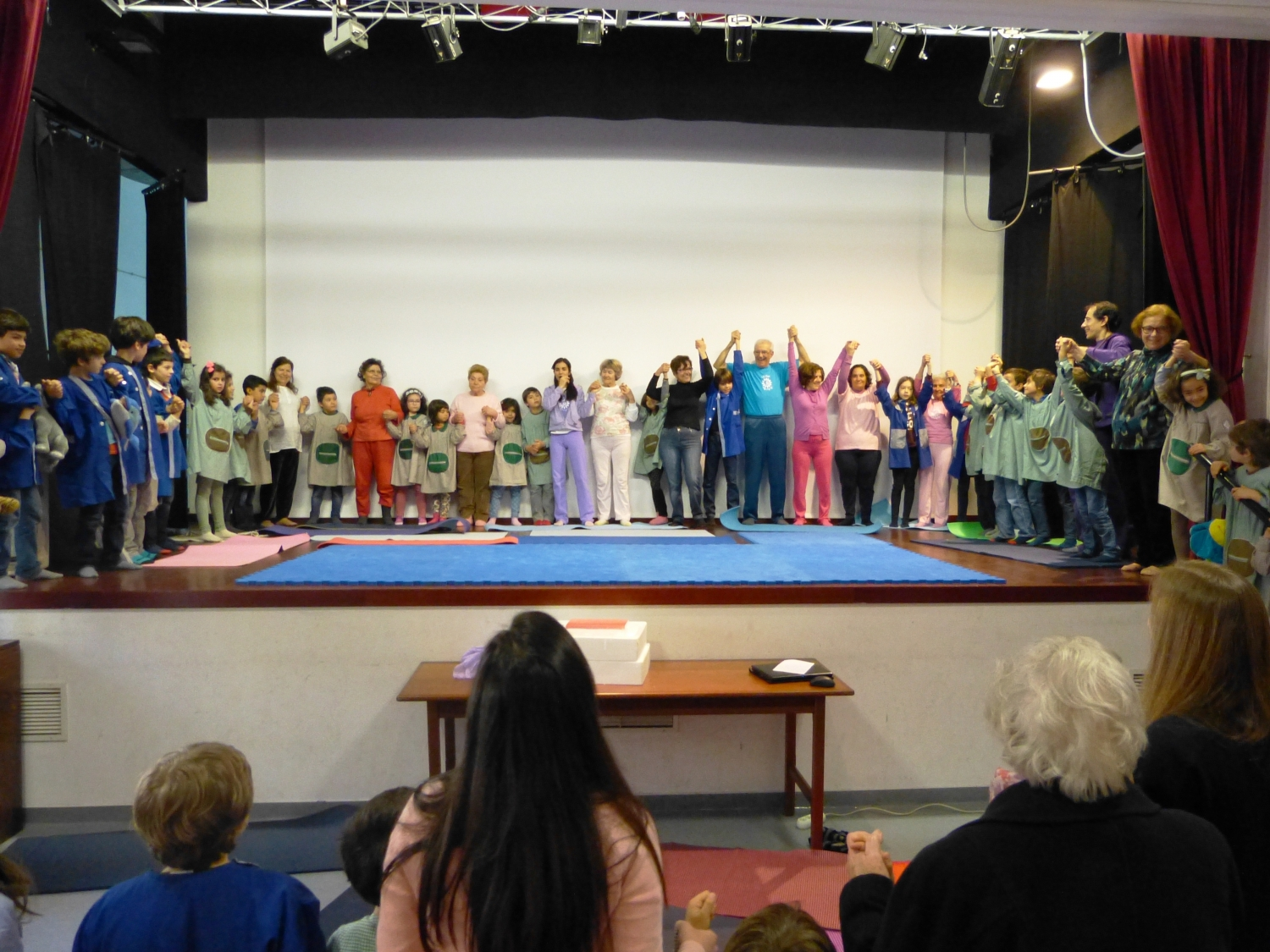 Yoga for Grandparents and Grandsons, Parish Council of Alvalade - 2016, March, 22nd