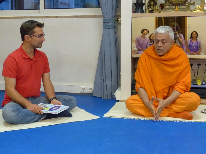 Visita do Presidente da União Budista Portuguesa na Sede da Confederação Portuguesa do Yoga, Lisboa – 2015
