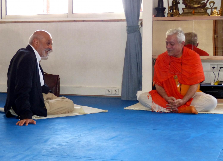 Visita de Dr. Abdool Vakil - Presidente da Comunidade Islâmica de Lisboa - na Sede da Confederação Portuguesa do Yoga, Lisboa – 2015
