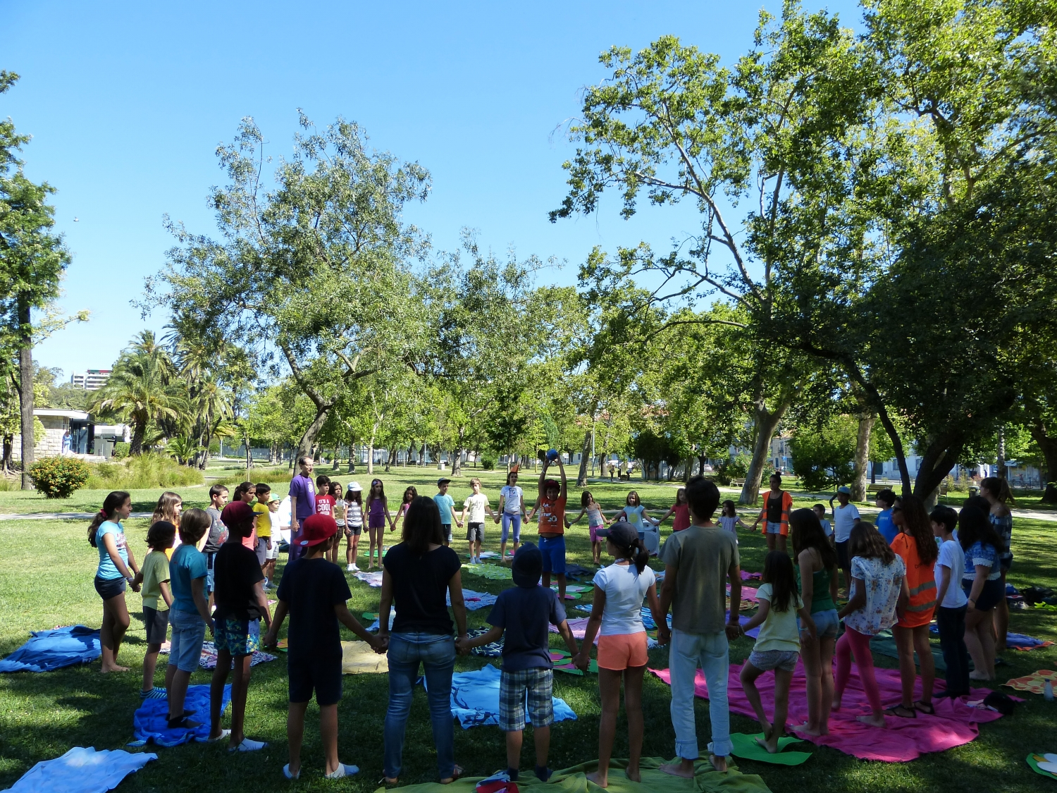 Yoga Sámkhya for 65 children - Holiday Camps of the Parish Center of Campo Grande - Lisboa, Campo Grande Garden - 2016, July, 13