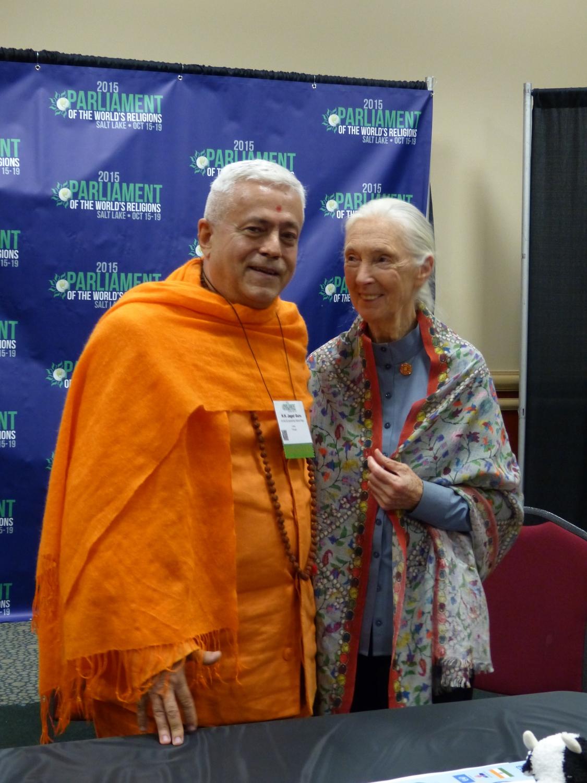 Com Jane Goodall (primatóloga que estudou os Gorilas)