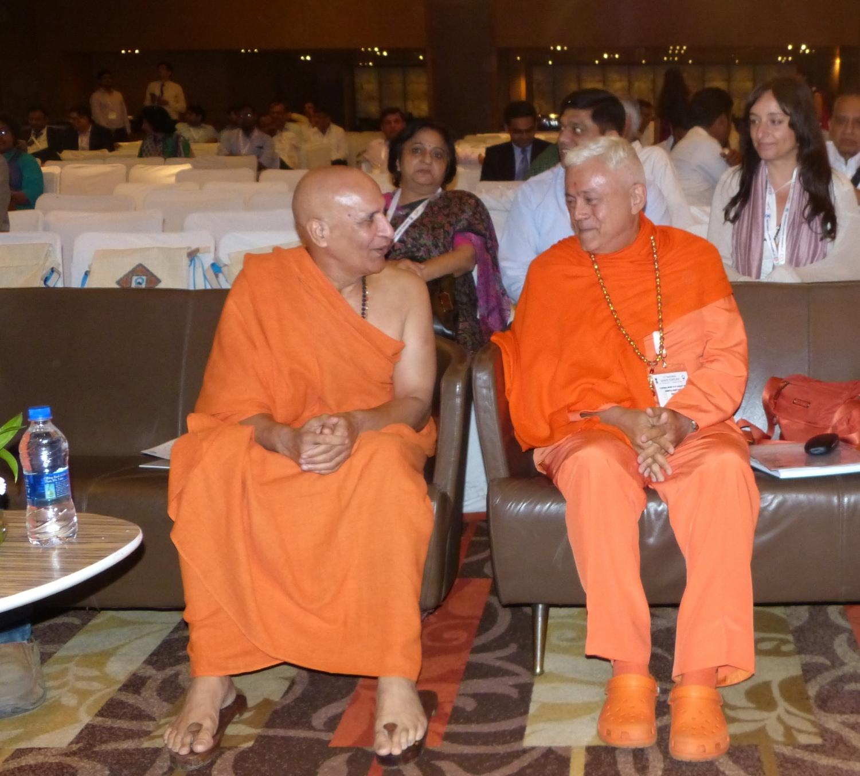 H.H. Jagat Guru Amrta Súryánanda Mahá Rája e Svámin Bharat Bushan