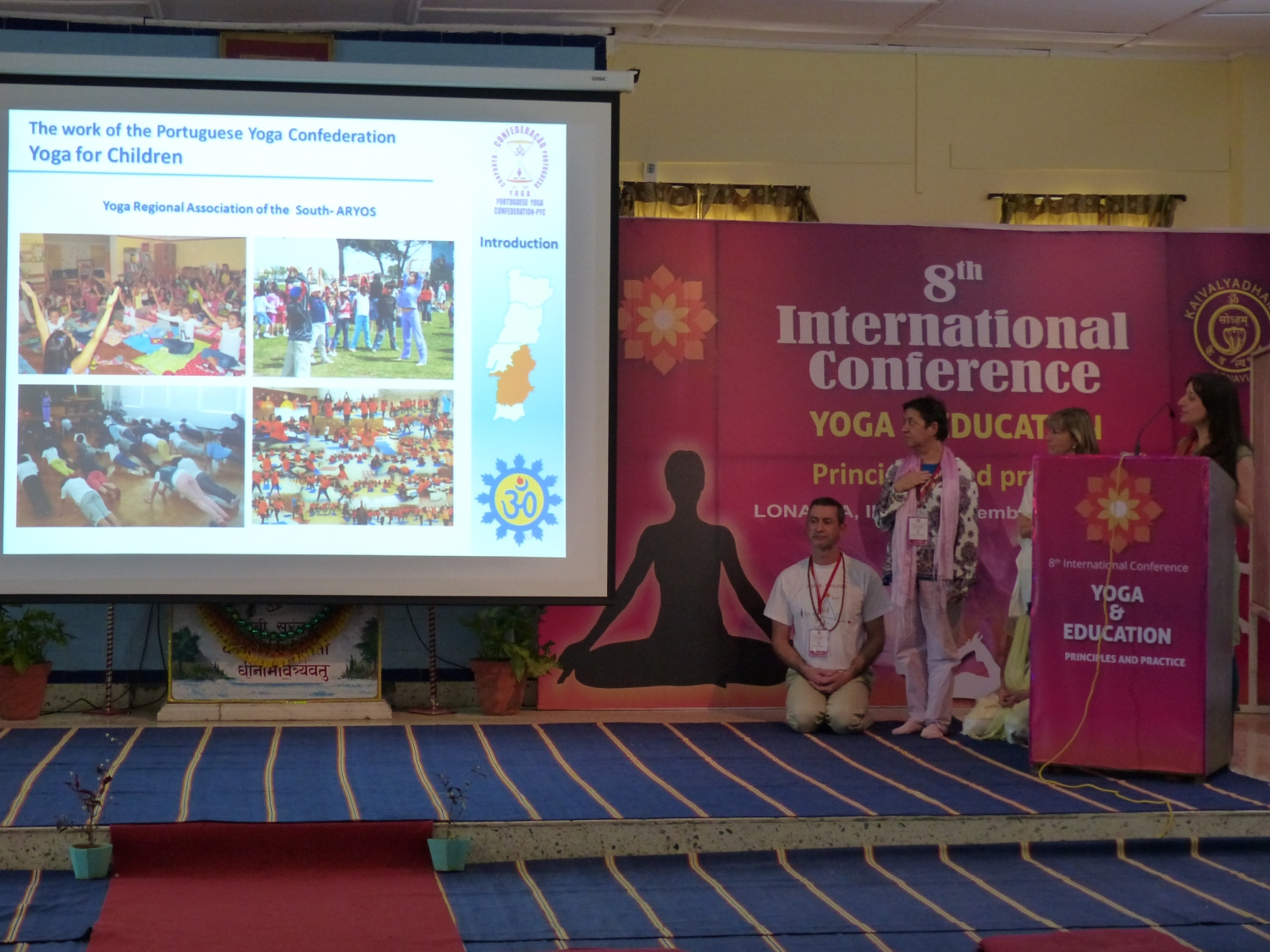 Apresentação sobre Yoga nas Escolas - 8th International Conference, Yoga & Education, Principles and Practice - Keivalyadhama Yoga Institute	 Lonavala, Índia - 2015, Dezembro