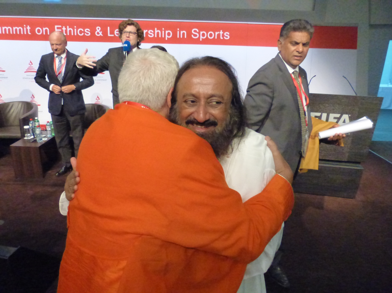Yoga Guru Amrta Súryánanda Mahá Rája com H.H. Shrí Shrí Ravi Shankar