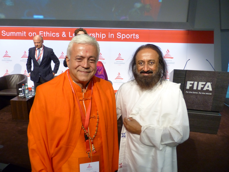 H.H. Jagat Guru Amrta Súryánanda Mahá Rája com H.H. Shrí Shrí Ravi Shankar