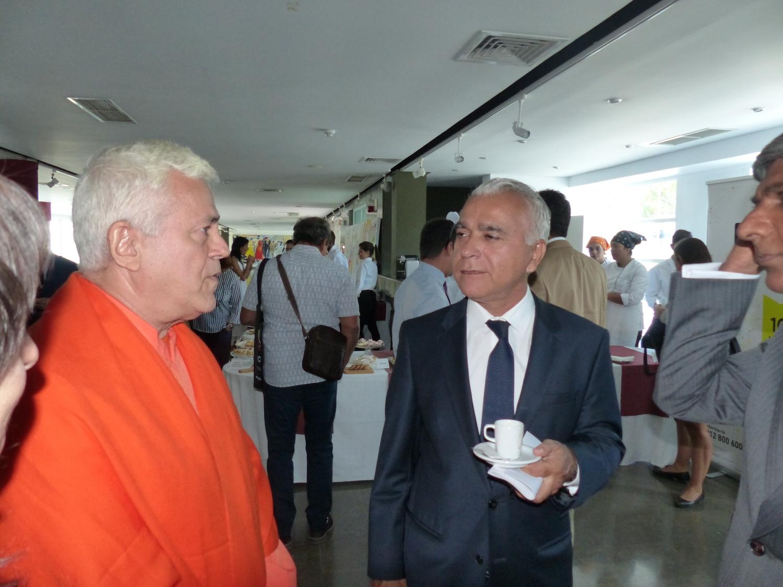 Com Dr. Azim Manji - Vice-Presidente da Comunidade Ismaili