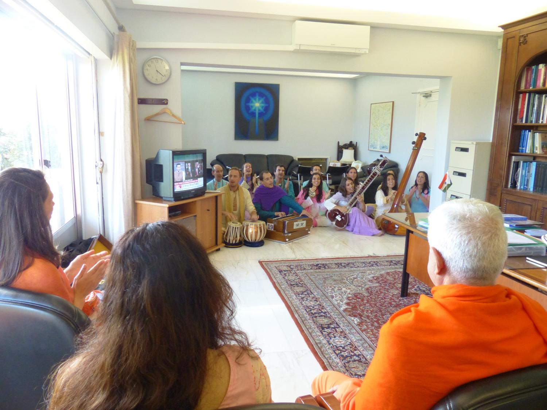 Visita de H.H. Jagat Guru Amrta Súryánanda Mahá Rája à Embaixada da Índia a convite da Embaixadora da Índia em Portugal Mrs. K. Nandini Singla - 2016, Outubro, 13