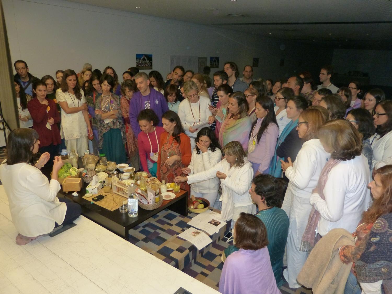 Conferência 'Anna Yoga : a Alquimia dos alimentos e a prática do Yoga' (Prof. Ánandí)
