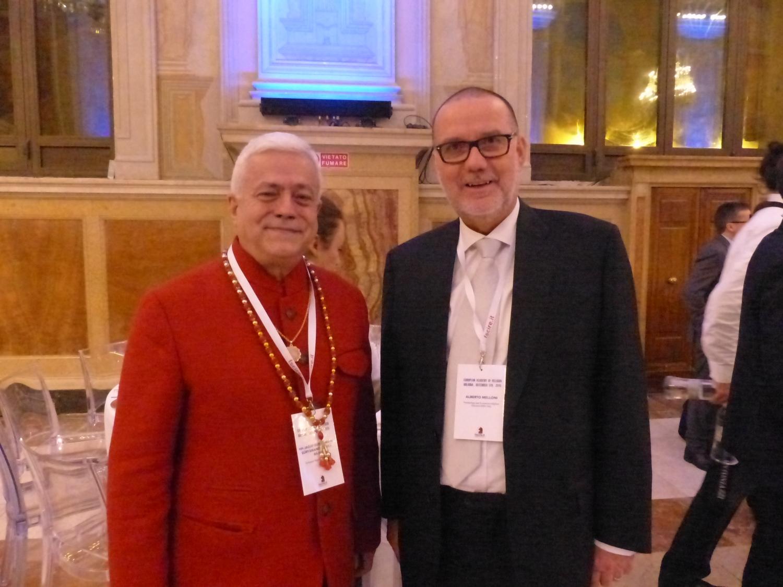 H.H. Jagat Guru Amrta Súryánanda Mahá Rája e Dr. Alberto Melloni, Director da Fundação para as Ciências Religiosas João XXIII