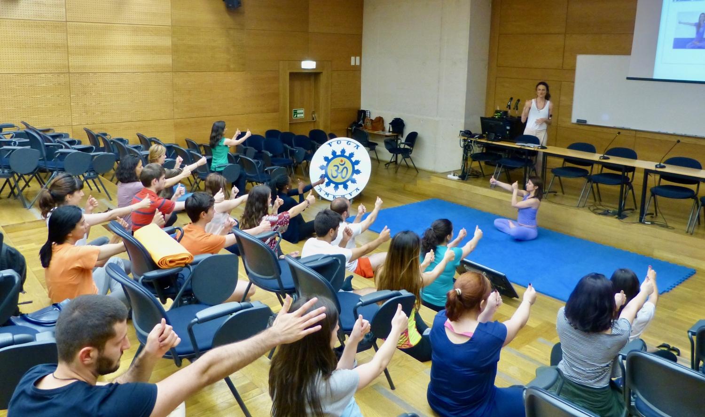 Sesión teórico-práctica sobre los Benefícios del Yoga Sámkhya para Universitarios, ISCTE - 2017, mayo