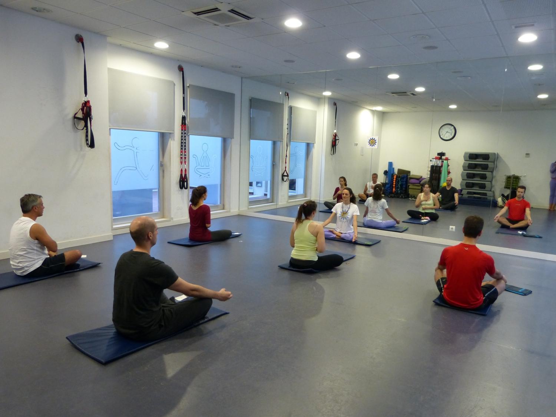 Clase del Yoga Sámkhya en la Casa do Pessoal da Autoridade de Supervisão de Seguros e Fundos de Pensão - 2017, mayo