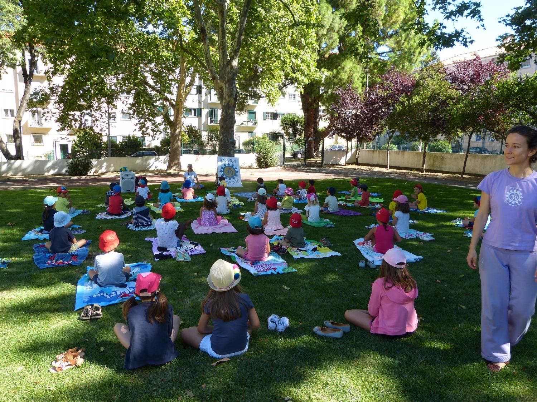 Aula do Yoga Sámkhya para Crianças no Campo Férias Eb 1 Stº António - 2017, Julho