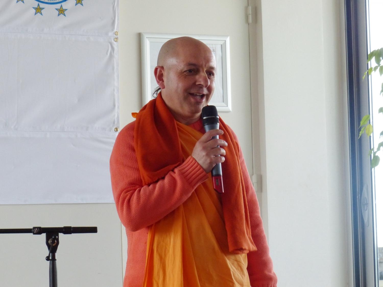 HH Svámin Yadunandana Mahá Rája  (ISKCON - Belgique)
