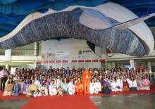 La Gran Delegación de 202 representantes (más 3 niños) de la Confederación Portuguesa del Yoga que acompañó al Guru Jí.