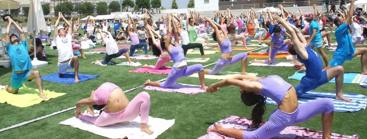 3. Día Internacional del Yoga - 2010 - Almada - Mega Clase del Yoga