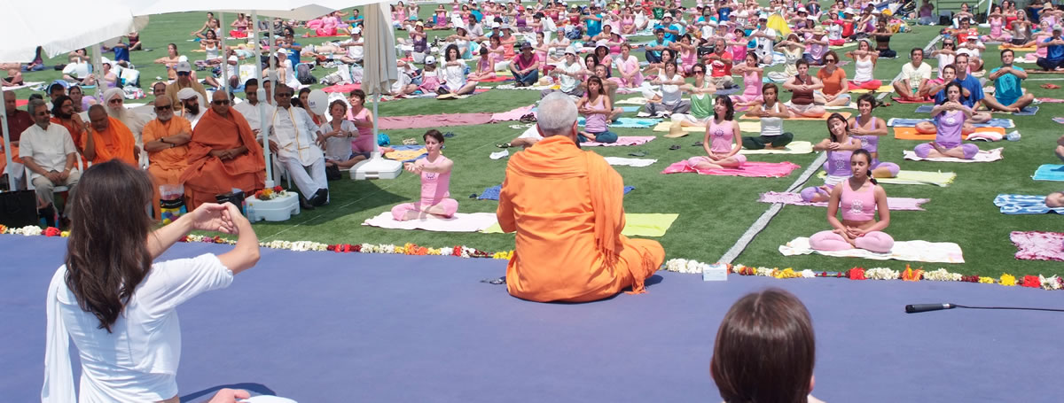 6. Dia Internacional do Yoga - 2010 - Almada - Mega Aula do Yoga - Dhyána Samádhi